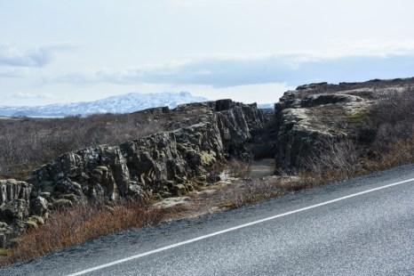 Wąwozy i szczeliny w płytach tektonicznych Islandia