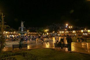 Plaza de Armas Cusco nocą Peru