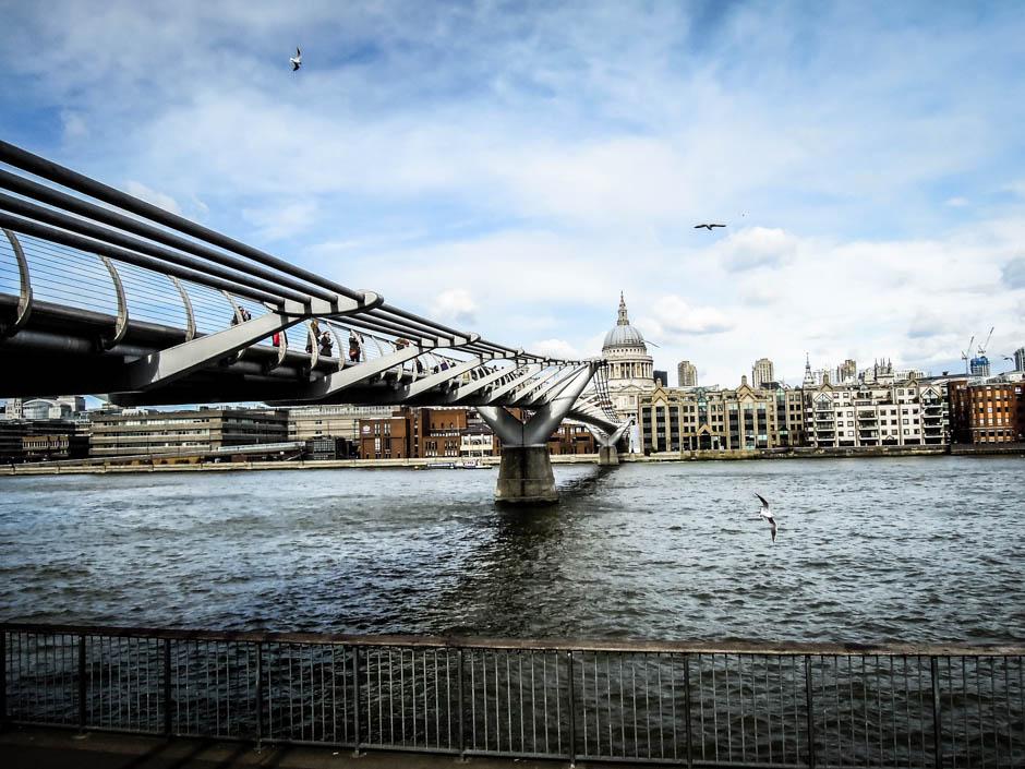 Most Millennium Londyn