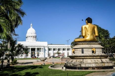 Ratusz przy parku Viharamahadevi Colombo
