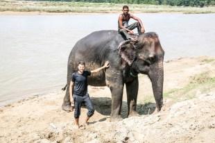Nepal Chitwan słoń kąpiel