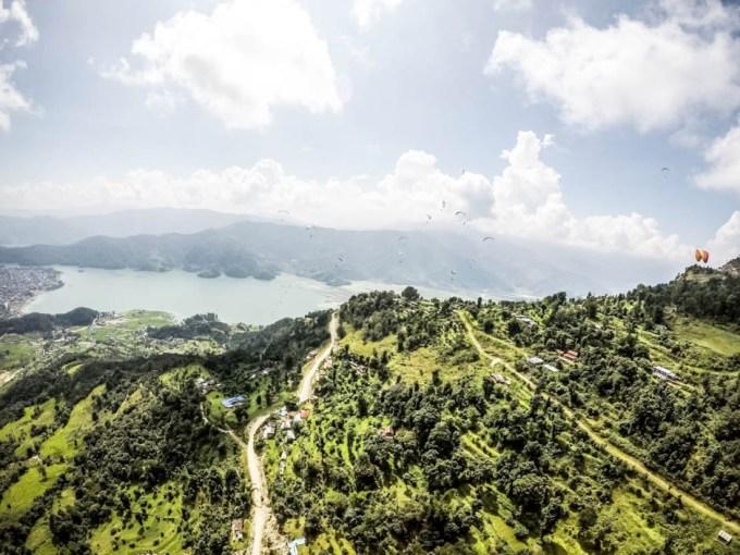 Nepal Pokhara lot paralotnią nad Himalajami