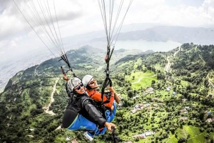 Nepal Pokhara lot paralotnią