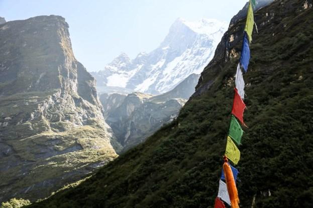 Nepal trekking do ABC ciągły widok na Machhapuchhare