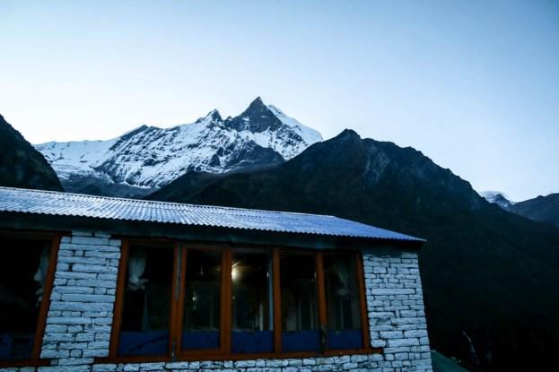 Nepal trekking poranek w MBC