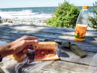Bornholm posiłek z widokiem na morze