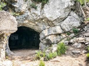 Fortyfikacje na trasie jaskinie