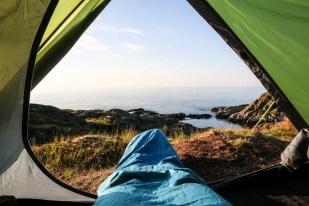 Poranek w namiocie na kempingu Moskenes