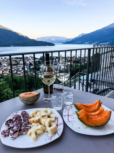 Romantyczna kolacja nad jeziorem Como