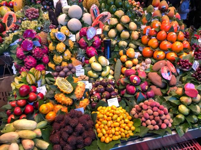 Targ La Bogueria egzotyczne owoce