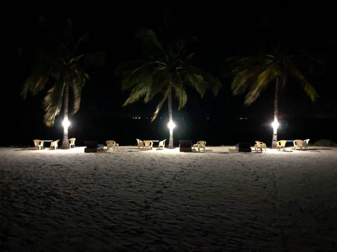 Tanzania Mbezi Beach plaża noca