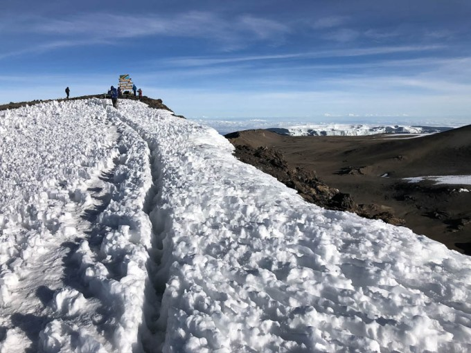 Trekking Kilimandzaro atak szczytowy ostatnie metry