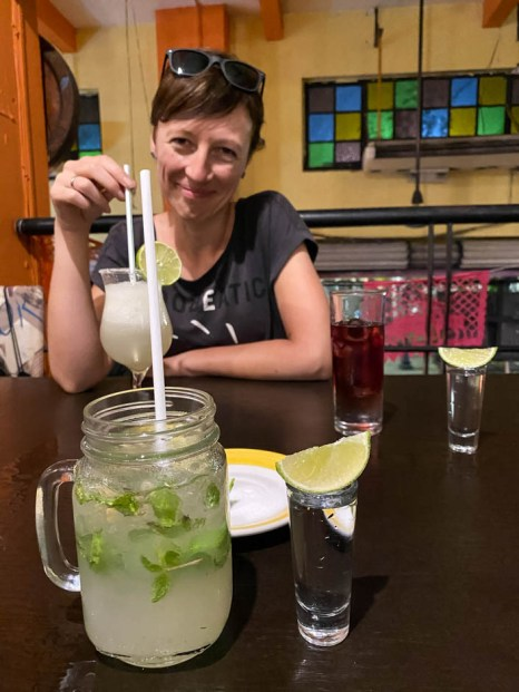 Merida drinki wieczorem pub
