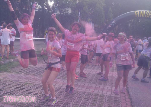Yay we finished the run! Special thanks to the girls behind us who threw coloured powder to make our jump shot look nicer