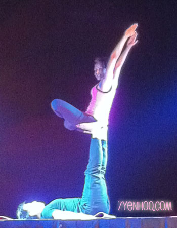 Acroyoga performance
