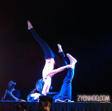 Acroyoga performance