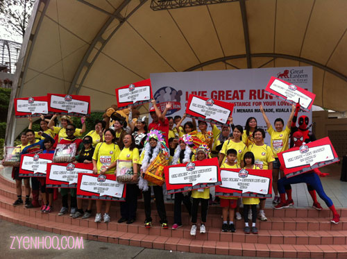 The winners of the different categories of the 3km buddy and family run