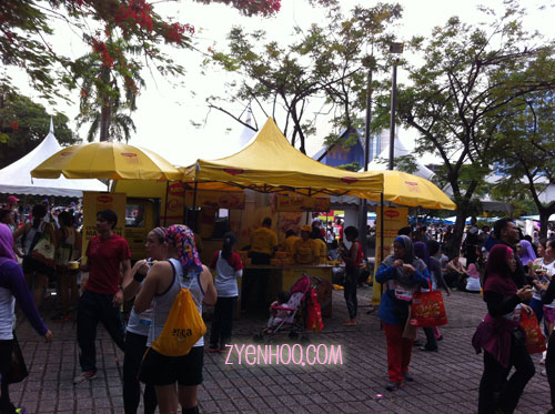 Maggi mee stall. I helped myself to a bowl because I was so hungry after the run.