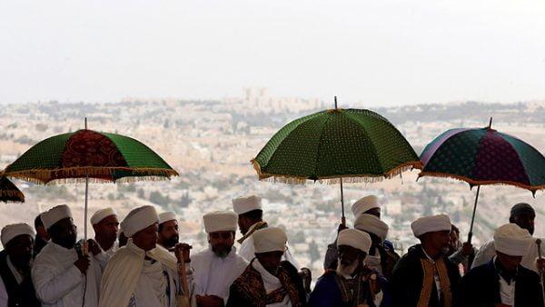 Des dirigeants israélo-éthiopiens Kessim lors de la fête de Sigid