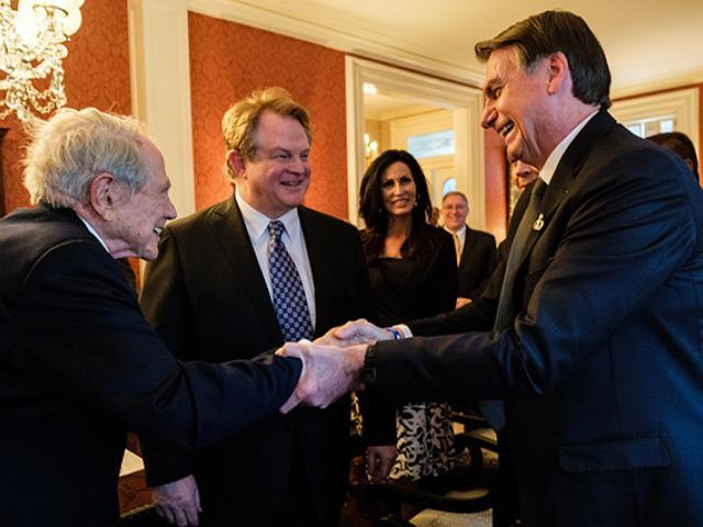 Duas nações e um só Senhor. A oração dos líderes evangélicos dos EUA por Bolsonaro na Casa Branca 17