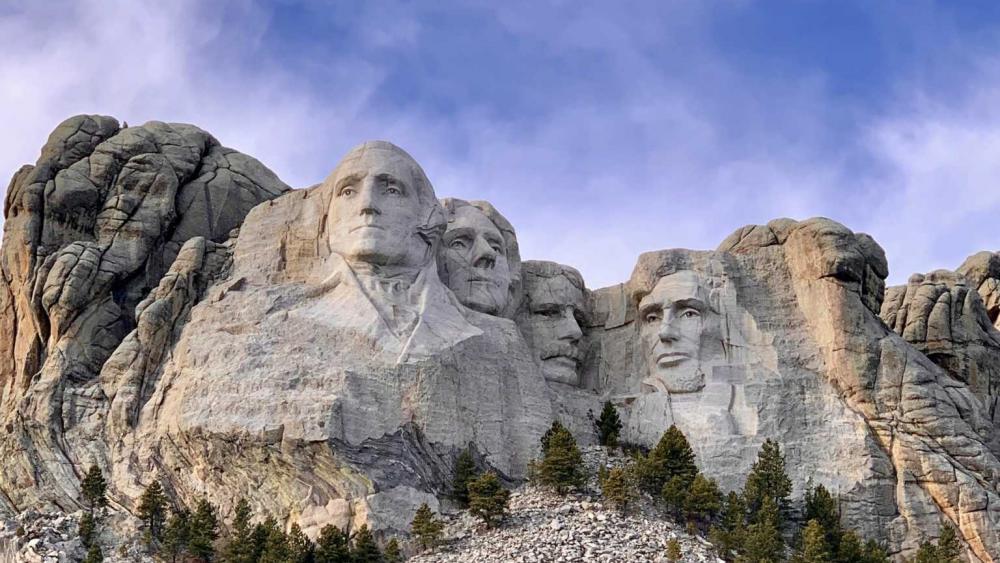 Democrats Link Mount Rushmore To Glorifying White