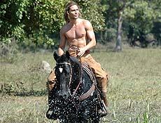 Pantanal e praia viram pratos cheios para exibir corpos nus na TV; na foto, André Bankoff