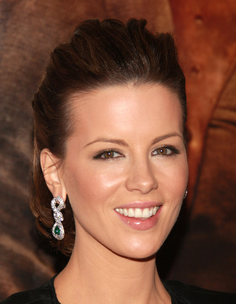 Kate Beckinsales Retro Short Prom Hairstyle Short Prom