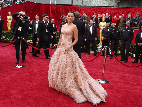 Penelope Cruz 2007 The Best Oscar Gowns Of The Decade