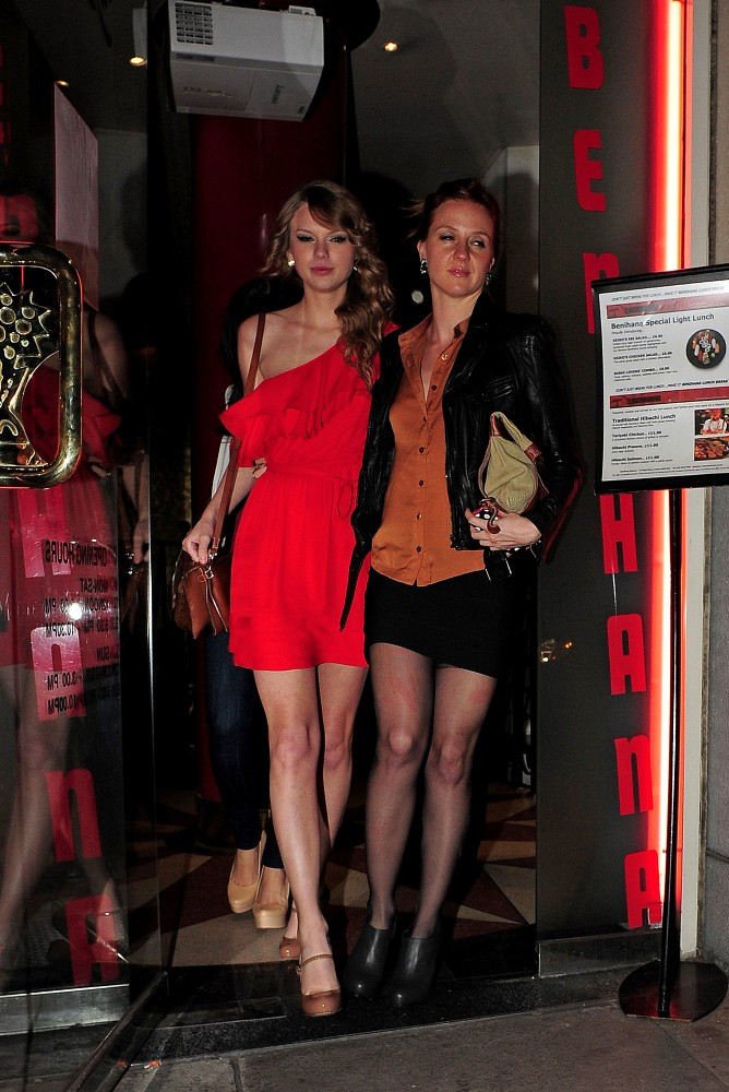 More Pics of Taylor Swift Pumps 1 of 6  Taylor Swift