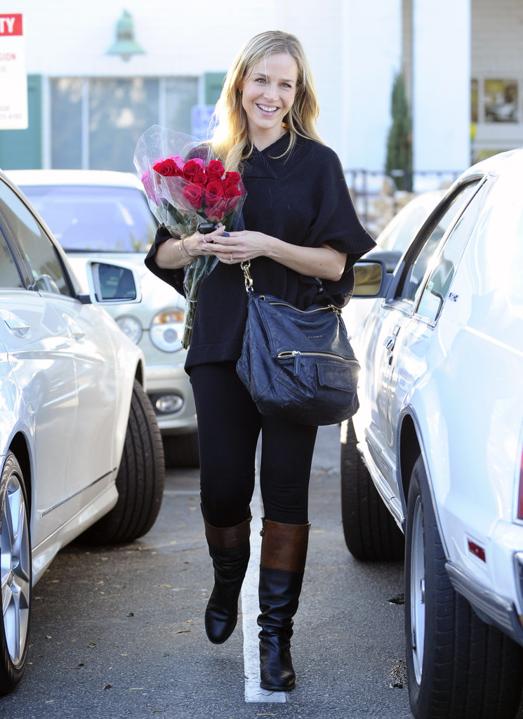 Julie Benz Satchel  Julie Benz Looks  StyleBistro