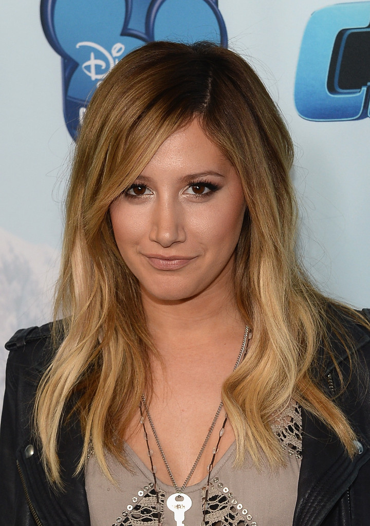 Ashley Tisdale Long Wavy Cut  Ashley Tisdale Looks