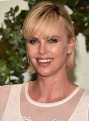 charlize theron short cut