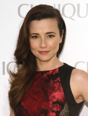 15. linda cardellini - voted
