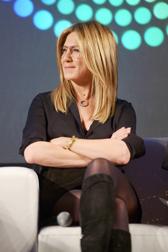 More Pics Of Jennifer Aniston Button Down Shirt 10 Of 16
