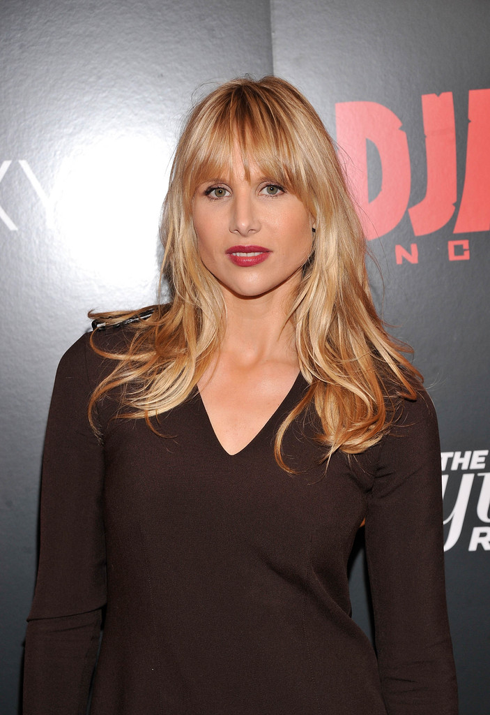 Lucy Punch Long Wavy Cut With Bangs Long Wavy Cut With