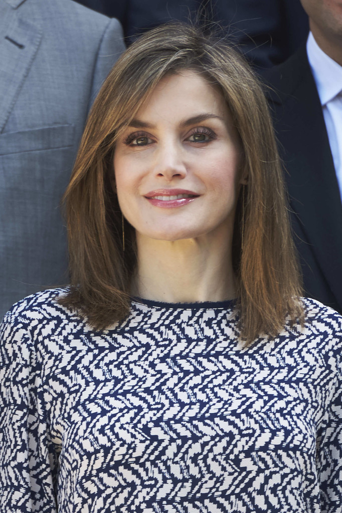 Queen Letizia Of Spain Medium Straight Cut Shoulder