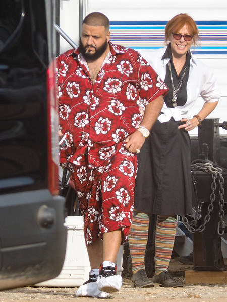 https://i0.wp.com/www1.pictures.zimbio.com/bg/DJ+Khaled+Dj+Khaled+Seen+Set+Star+Weekend+1aj5gCqJbqdl.jpg?w=1060