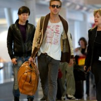 Airport Style: Ryan Gosling at LAX - SNAG Fashionwidget's Unisex Version of the Look