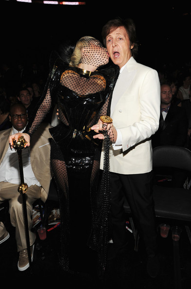 http://www1.pictures.zimbio.com/gi/54th+Annual+GRAMMY+Awards+Backstage+Audience+AYlNwJ7UJxxl.jpg
