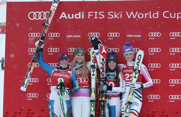 Podiumul primei coborari din Lake Louise: Stacey Cook (2), Lindsey Vonn (1), Tina Weirather si Maria Höfl-Riesch (3) (foto: Getty Images)