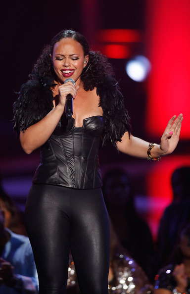 Elle Varner - Soul Train Awards 2012 - Show