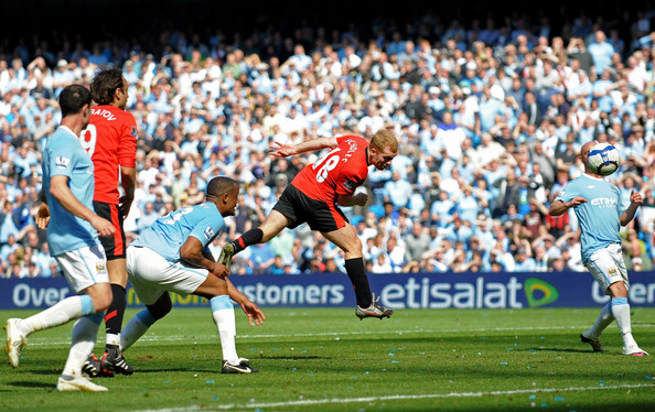 Paul Scholes of Manchester United scores the winning goal during the Barclays Premier League match between Manchester City and Manchester United at the City of Manchester Stadium on April 17, 2010 in Manchester, England.