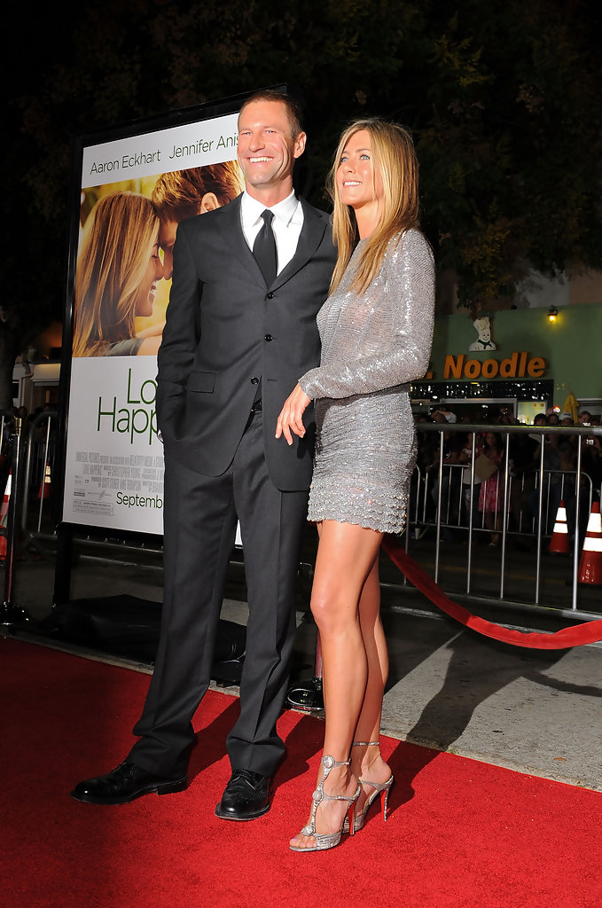 Jennifer Aniston and Aaron Eckhart Photos Photos  Premiere Of Universal Pictures Love Happens