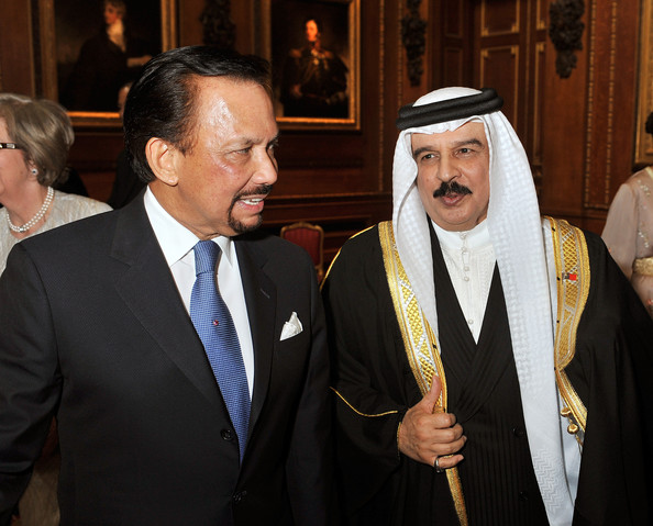 The Sultan of Brunei, Hassanal Bolkiah (left) and King Hamed bin Isa Al Khalifa of Bahrain during a reception in the Waterloo Chamber, before the Lunch For Sovereign Monarchs at Windsor Castle, on May 18, 2012 in Windsor, England.