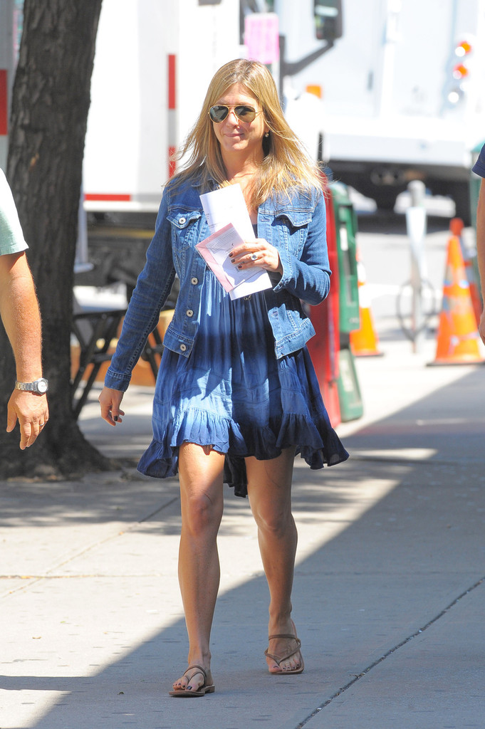 Jennifer Aniston Photos Photos  Jennifer Aniston on the Set of Squirrels to the Nuts in New