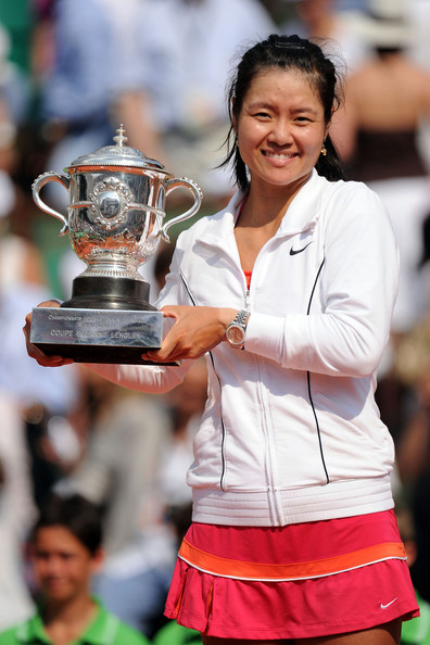 Li Na Li Na defeats Francesca Schiavone in the Women's Final to win the 2011 French Open, held at the Stade Roland Garros in Paris.