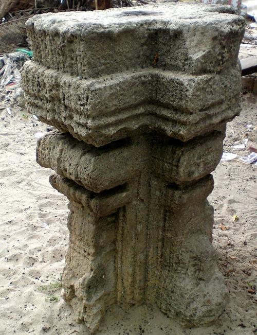 Remains of Kodandarama Temple,Dhanushkodi.jpg