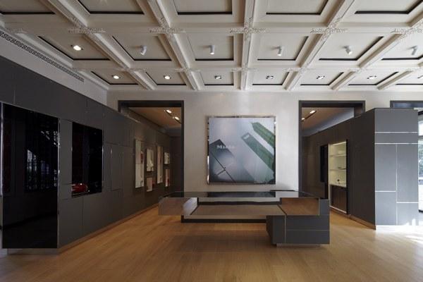 Showroom lobby