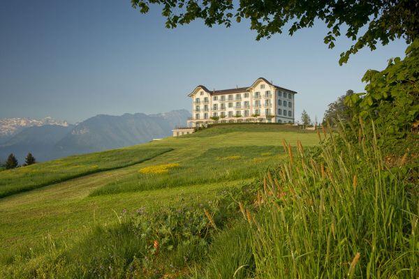 hotel villa honegg in ennetb rgen switzerland by jestico. Black Bedroom Furniture Sets. Home Design Ideas
