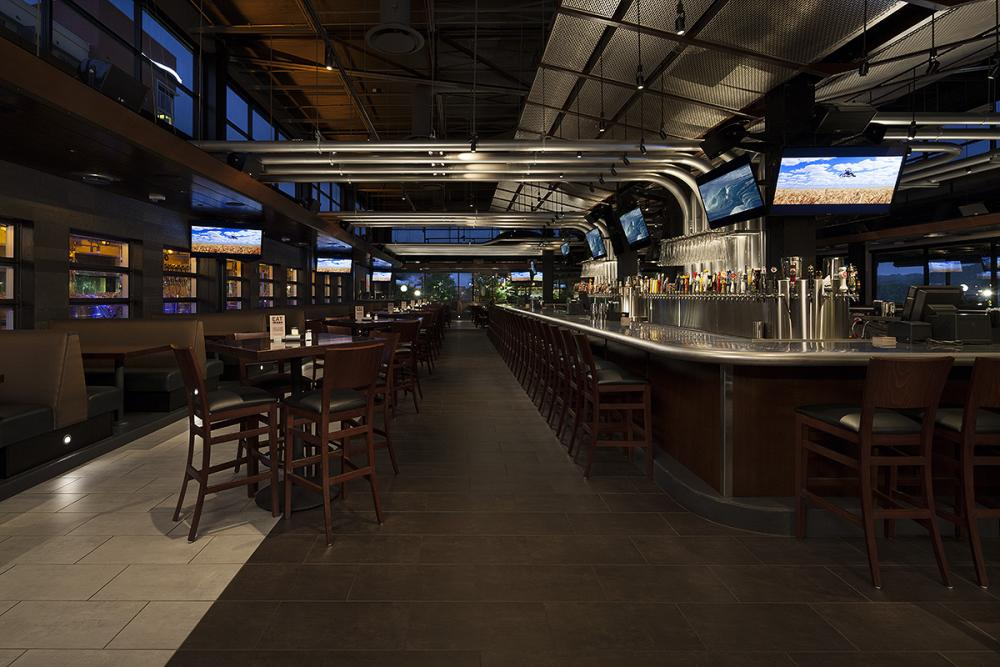 Yard House The Banks In Cincinnati Ohio By Mbh Architects